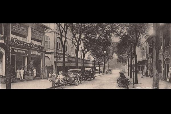 Đường Catinat (nay là đường Đồng Khởi), Sài Gòn năm 1922. Ảnh: Ludovic Crespin.