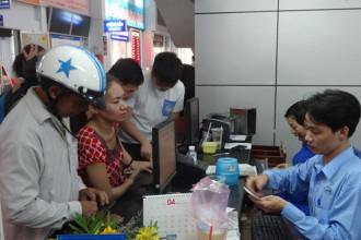 8h ngày 1/10, ga Sài Gòn bắt đầu bán vé tàu Tết Kỷ Hợi 2019. Ảnh: An Huy.