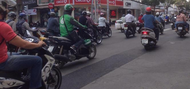 Sài Gòn cứ tất bật X.P