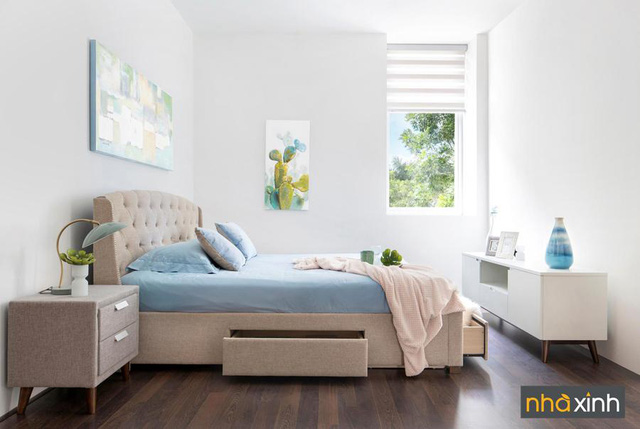 Điểm nhấn của gói nội thất này là phòng ngủ lớn với thiết kế giường ngủ thông minh và tiện ích với hộc kéo để cất trữ đồ đạc tối ưu.