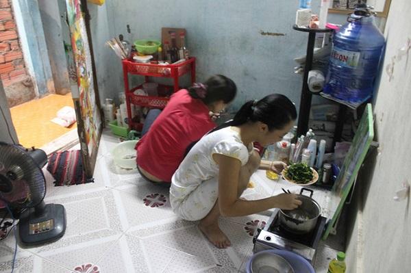 Tự nấu ăn có thể tiết kiệm chi tiêu hằng tháng ẢNH: NHƯ LỊCH