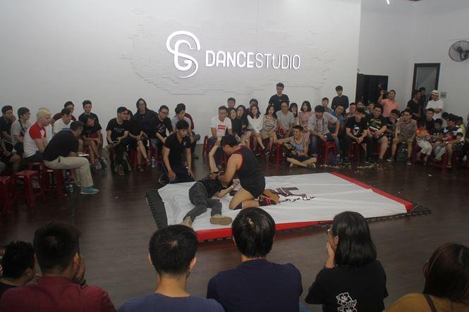 Sau gần 3 năm ấp ủ, gây dựng, câu lạc bộ Saigon Pro Wrestling (SPWC) vừa tổ chức buổi đấu vật biểu diễn đầu tiên tại TPHCM