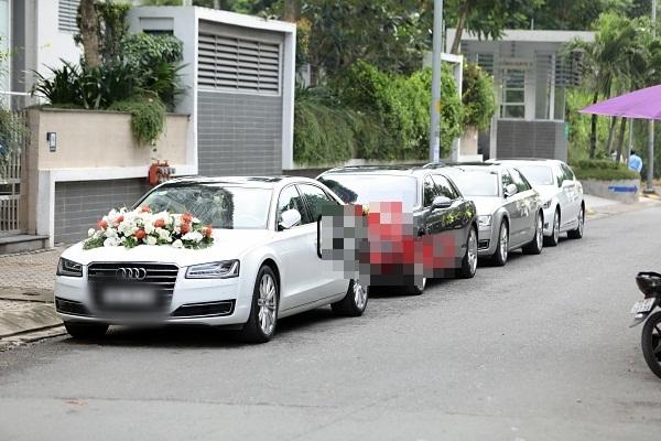 Dàn xe sang được sử dụng trong lễ ăn hỏi