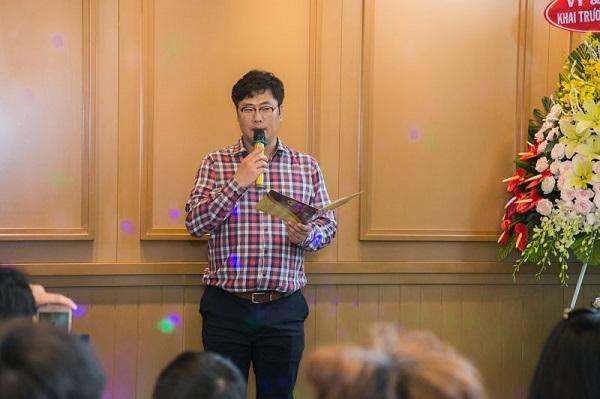 Ông Ryu Sung Hwan phát biểu tại khai trương SSome Coffee