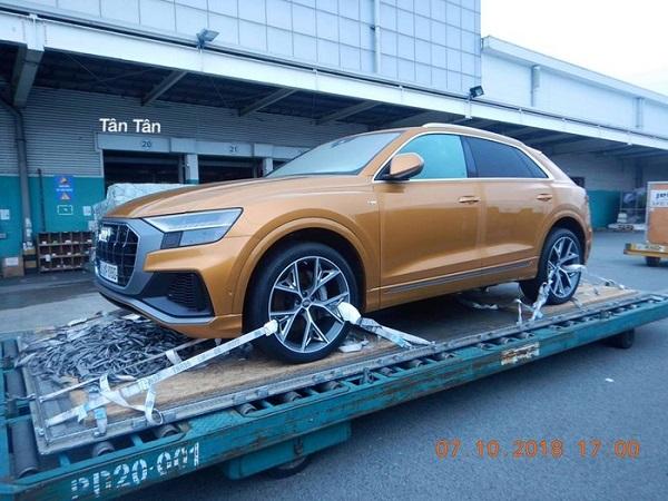Từ hình ảnh cho thấy, chiếc xe mang biển số châu Âu và nhiều khả năng thuộc diện nhập tạm về phục vụ ra mắt tại Triển lãm ô tô Việt Nam (VMS) 2018, sau đó sẽ được tái xuất
