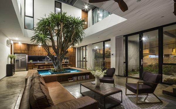 Ngôi nhà này tọa lạc trong một khu dân cư đông đúc của thành phố Hồ Chí Minh.