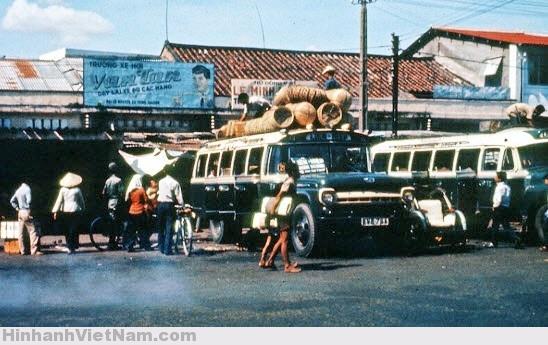 XE ĐÒ FORD TẠI BẾN XE NGUYỄN CƯ TRINH 1965