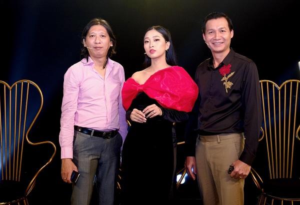 Nguyên Bảo mang BST áo dài của NTK Thuận Việt lên sân khấu Én Vàng Nghệ Sĩ