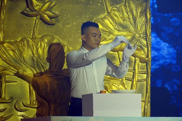 Phạm Hoàng (2)