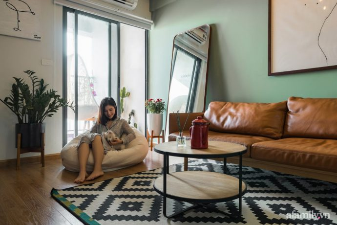 Căn hộ 60m² hoàn thiện nội thất tinh tế dành cho vợ chồng trẻ có chi phí 250 triệu đồng ở Hà Nội - Ảnh 3.