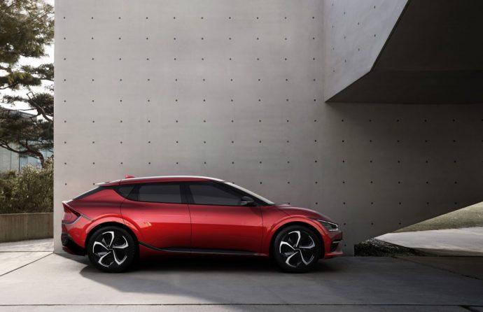 Chi tiết Kia EV6 – mẫu xe điện Hàn cực đẹp, tăng tốc đỉnh hơn cả Porsche Taycan 2022-kia-ev6-gt-line4.jpg