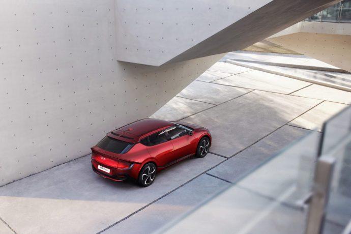 Chi tiết Kia EV6 – mẫu xe điện Hàn cực đẹp, tăng tốc đỉnh hơn cả Porsche Taycan 2022-kia-ev6-gt-line2.jpg
