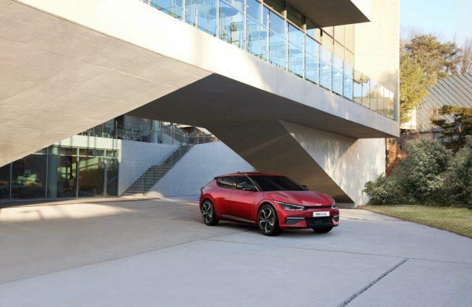 Chi tiết Kia EV6 – mẫu xe điện Hàn cực đẹp, tăng tốc đỉnh hơn cả Porsche Taycan 2022-kia-ev6-gt-line3.jpg