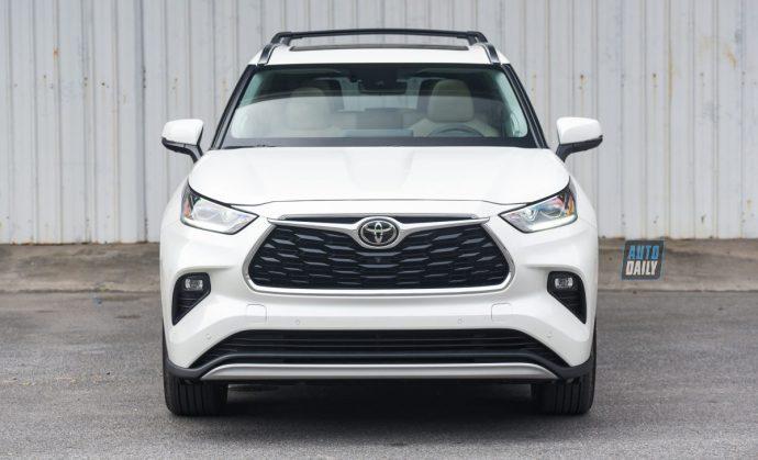 Chi tiết Toyota Highlander Platinum 2021 hơn 4 tỷ đầu tiên về Việt Nam 44.jpg