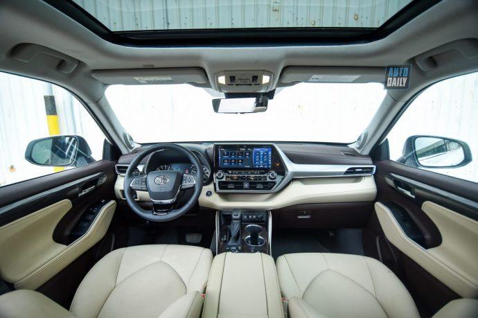 Chi tiết Toyota Highlander Platinum 2021 hơn 4 tỷ đầu tiên về Việt Nam 18.jpg